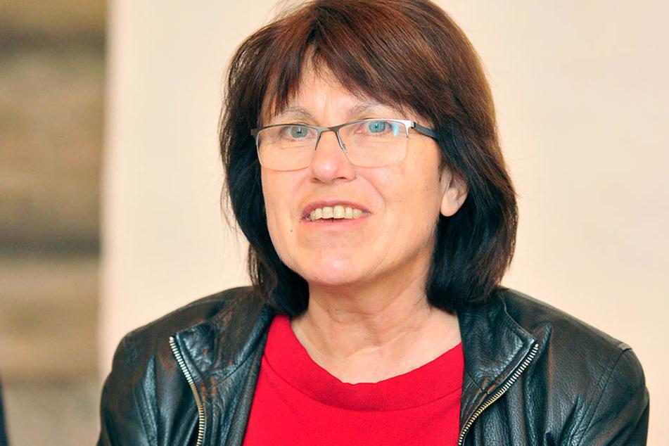 OB Pia Findeiß (61, SPD) lässt den Antrag für das Sozialticket jetzt im Finanz-Ausschuss prüfen.