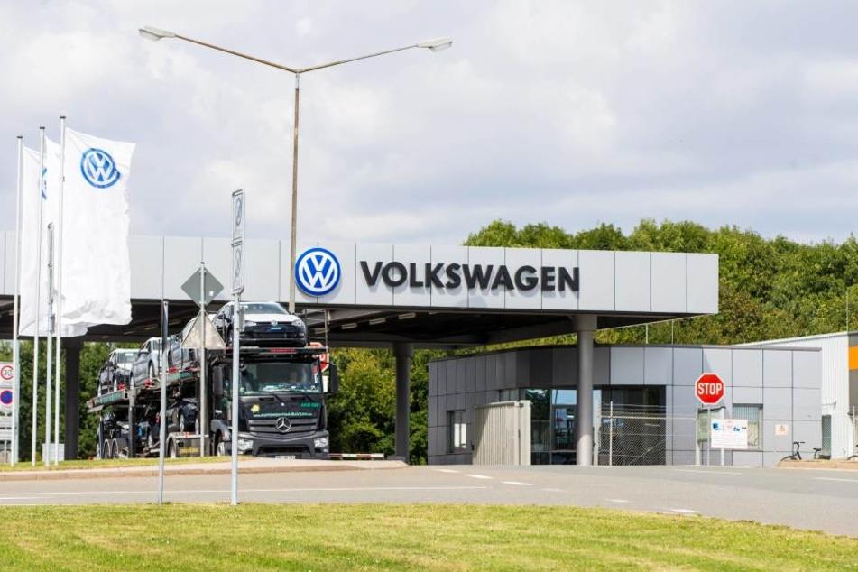 VW und zwei wichtige Zulieferer haben sich geeinigt: Die Unternehmen werden den Autobauer wieder beliefern.