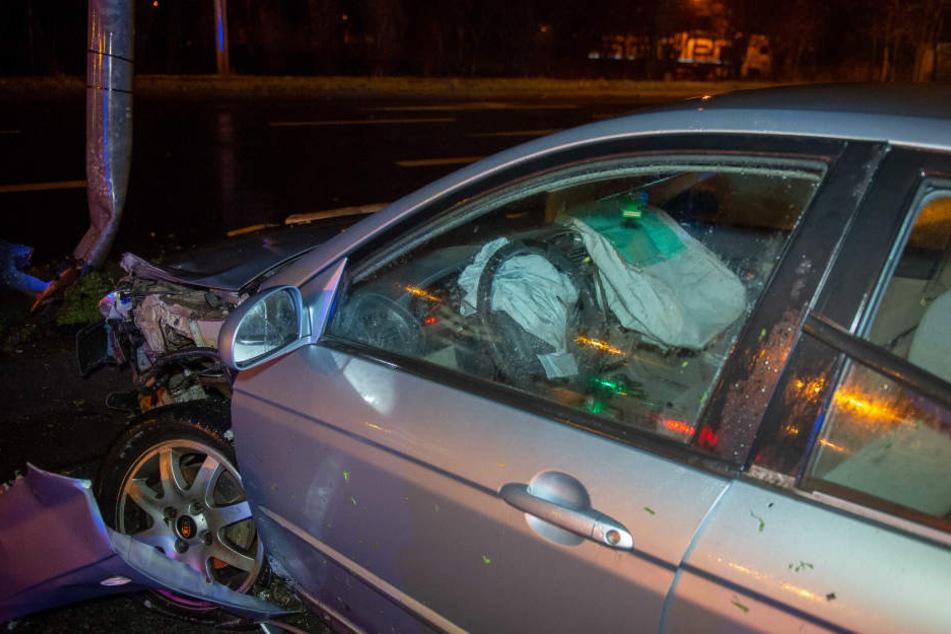 Die Beamten fanden das Auto ohne Fahrer vor.