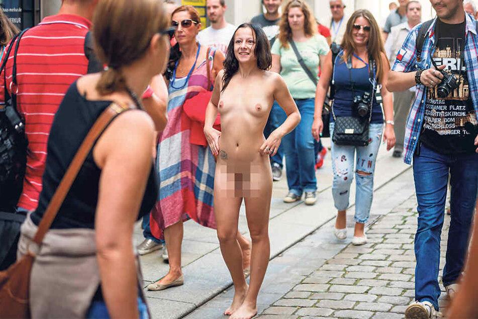 Auf der Sporergasse begegnete man am Samstag einer nackten Frau.