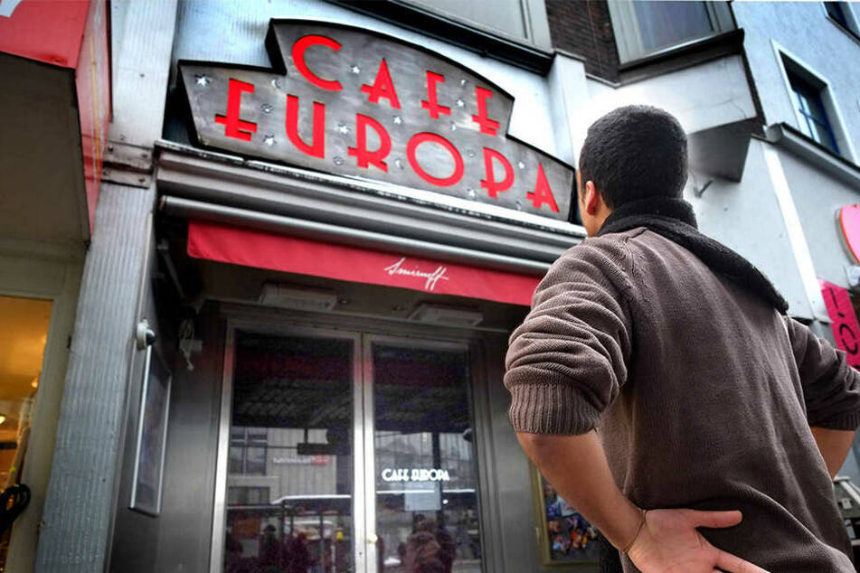 Bald schließen die Türen im Cafe Europa. Doch nur für drei Wochen. Ein Betreiberwechsel steht an.