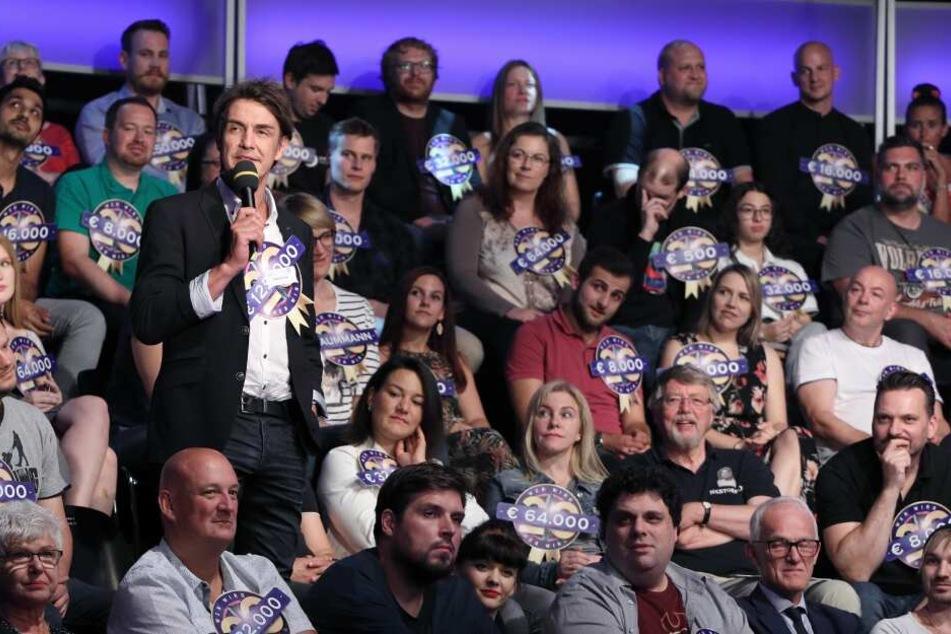 Im Studiopublikum sitzen bei der Jubiläumssendung nur ehemalige Kandidaten der Show - u.a. Matze Knop.