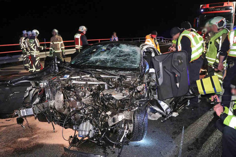 Der Audi A5 wurde bei dem Unfall völlig zerstört.
