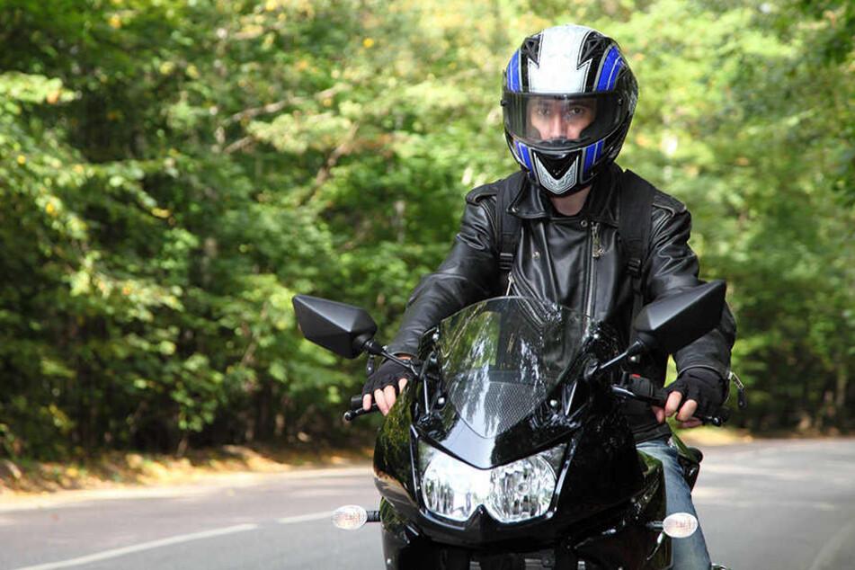 Mit dem Motorrad machten sich Vater und Sohn, sofern diese Angabe stimmte, aus dem Staub. (Symbolbild)
