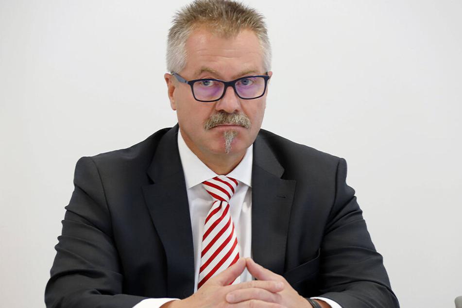 Ordnungsbürgermmeister Miko Runkel (58, parteilos).