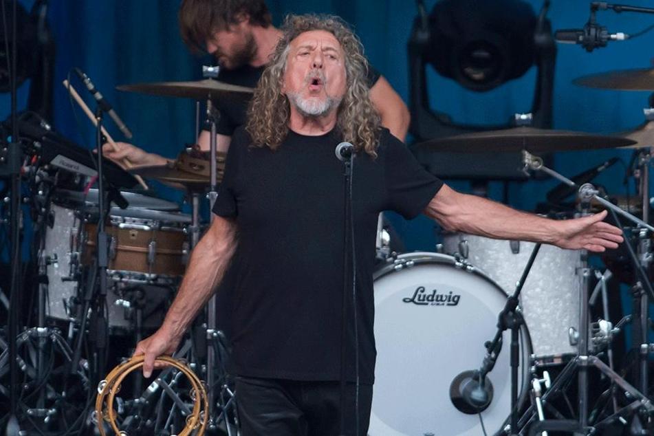 Robert Plant (69).