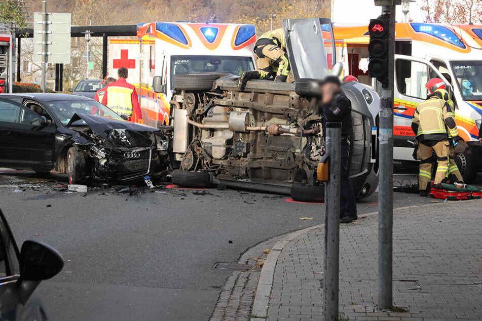 Vier Verletzte bei heftigem Kreuzungscrash in Gera