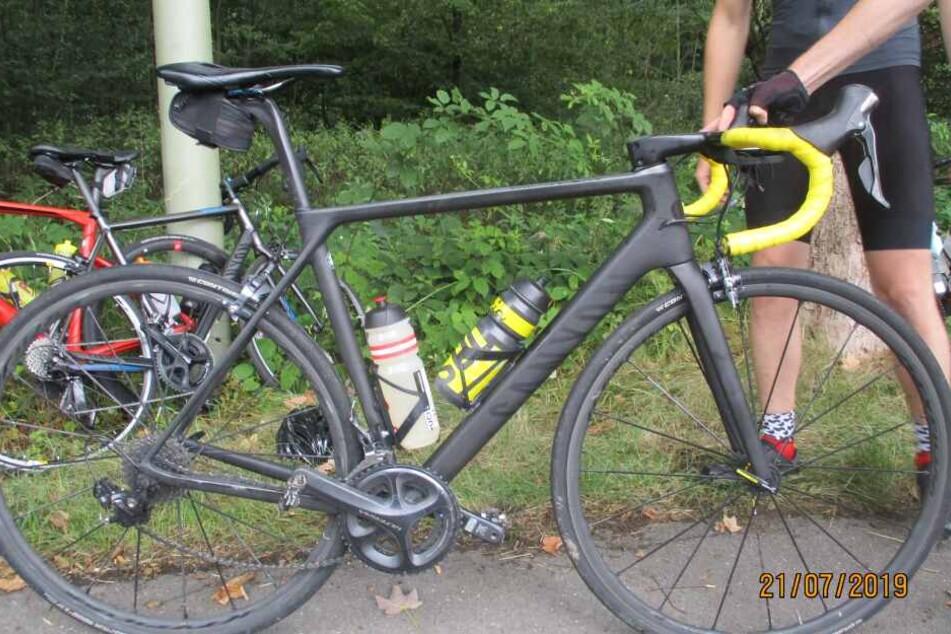 Gleich drei Männer sind bei einer Radtour in Overtah verunglückt.