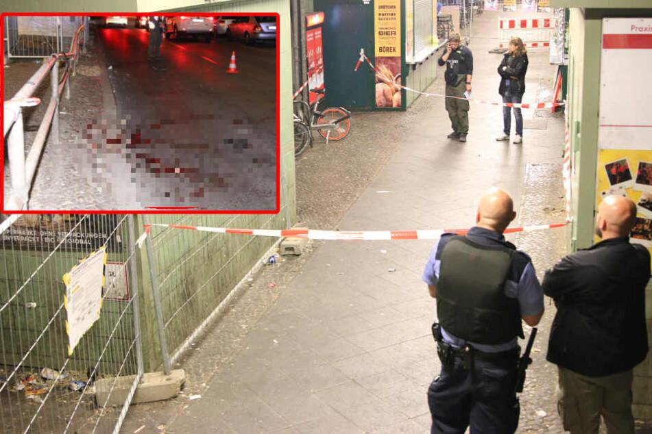 Streit eskaliert: Teenager (16) am U-Bahnhof mit kaputter Flasche niedergestochen
