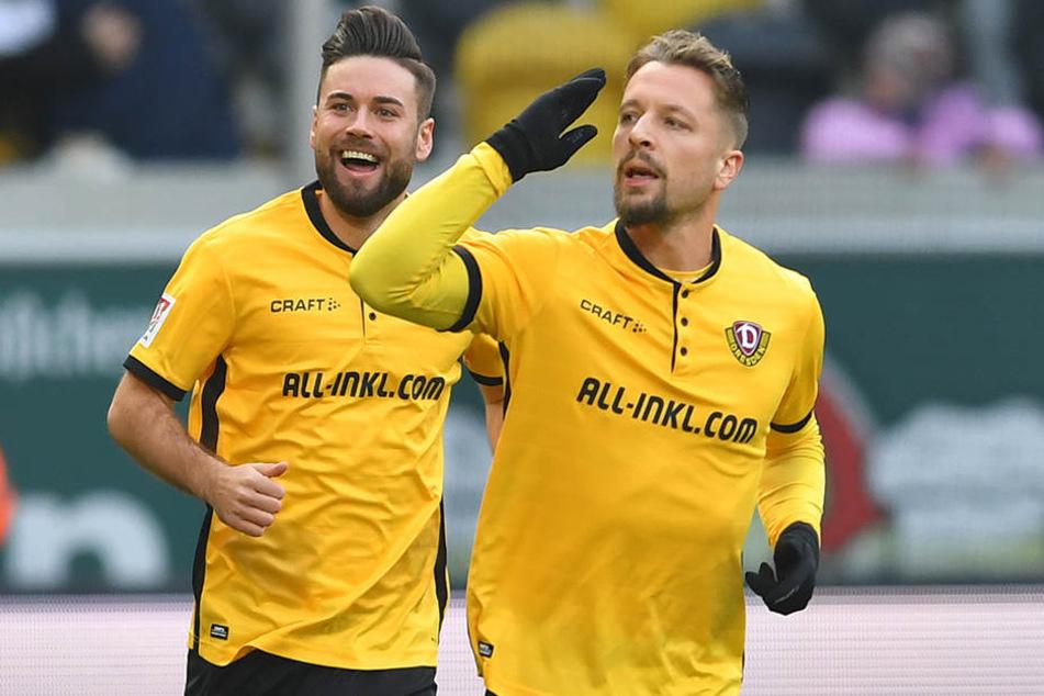 Patrick Ebert (re.) zeigte nach seinem Tor eine deutliche Geste in Richtung der Bank seines Ex-Vereins FC Ingolstadt 04. Von dort war er im Sommer an die Elbe gewechselt.