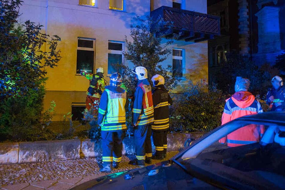 Nach den Löscharbeiten konnte ein Großteil der Mieter in die Wohnungen zurück.