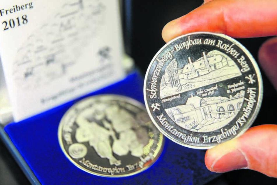 Münzfreunde präsentierten gestern das Motiv der neuen Bergbau-Medaille.