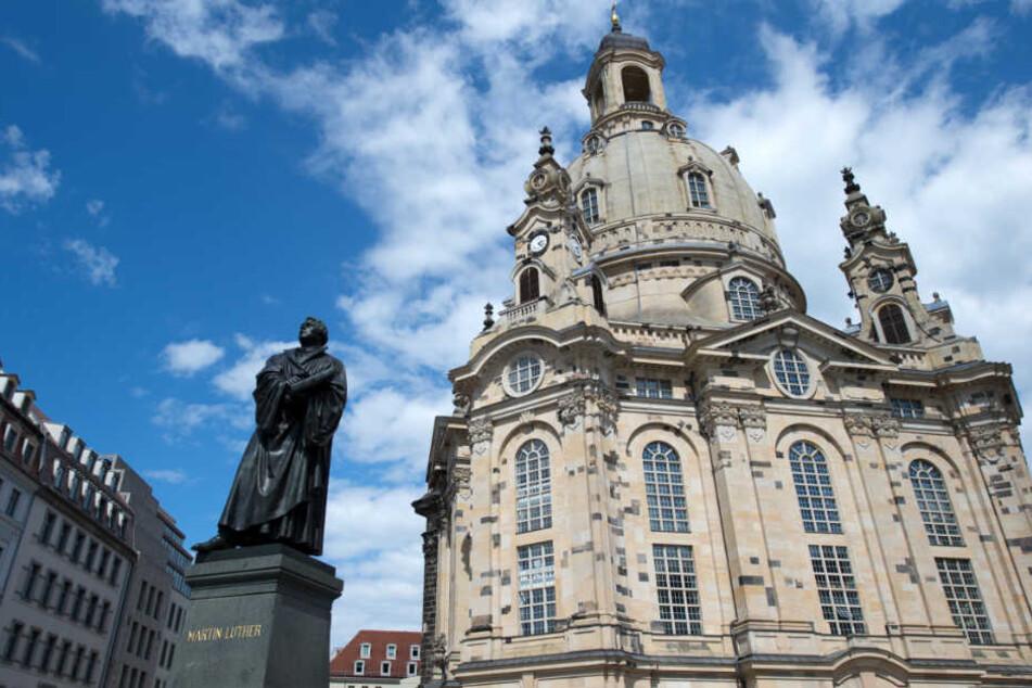 Die Dresdner Frauenkirche: In den Trümmern waren die Überreste Bährs entdeckt worden.
