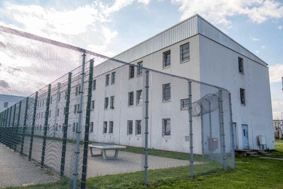 Die JVA in Glaubitz hat Kapazität für 395 Gefangene.