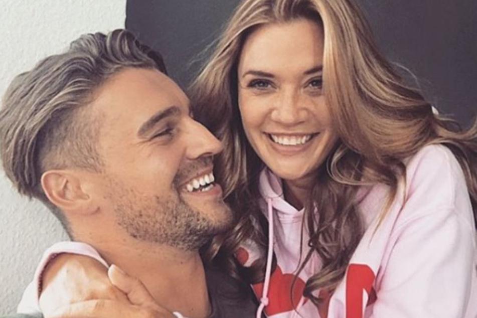 Am Donnerstag gaben Nadine Klein (32) und Alexander Hindersmann (30) ihre Trennung bekannt.
