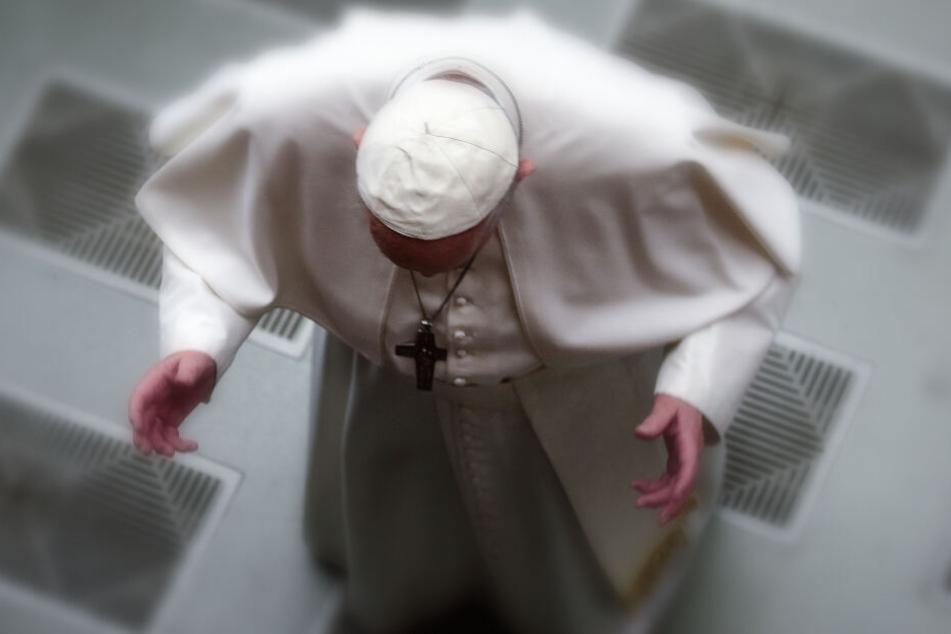 Papst Franziskus kommt zu seiner wöchentlichen Generalaudienz in die Vatikanischen Audienzhalle (Archivbild).
