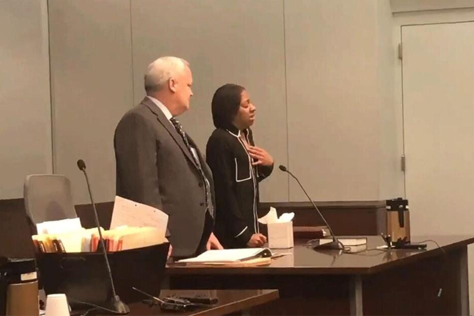 Jessica W. weinte vor Gericht.