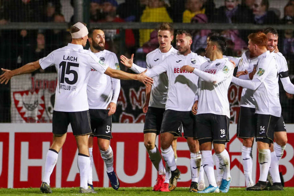 Am Ende durfte der SC Verl jubeln und zog erstmals in die Runde der letzten 16 Teams ein.