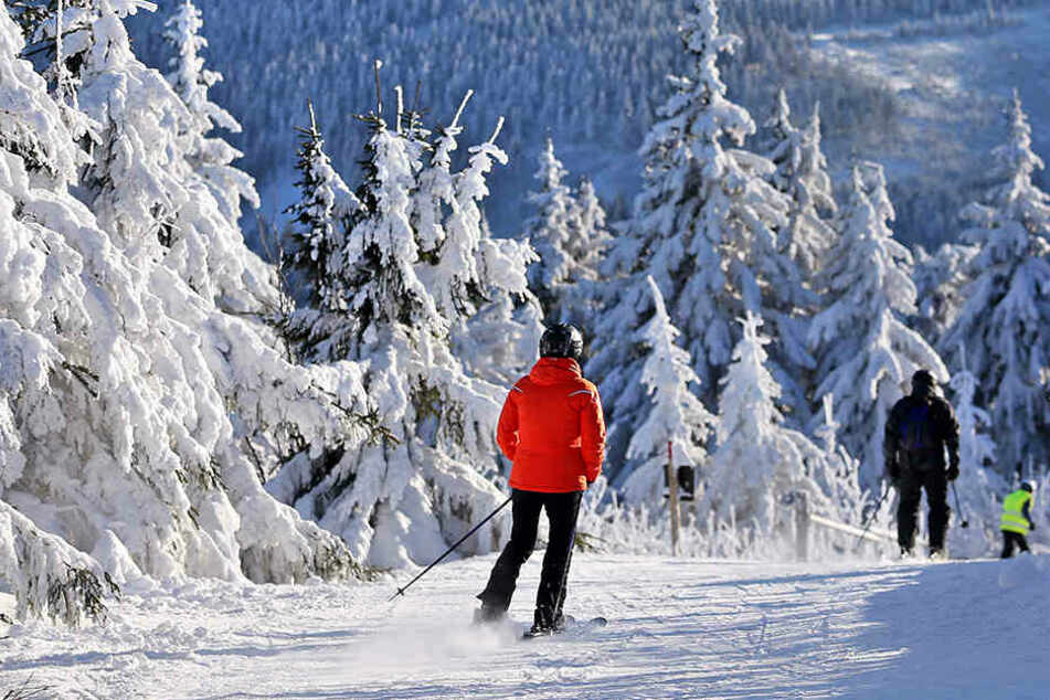 Traumhafte Bedingungen für alle Wintersportfans: Der Fichtelberg in Oberwiesenthal ist ein Mekka für Skihasen.