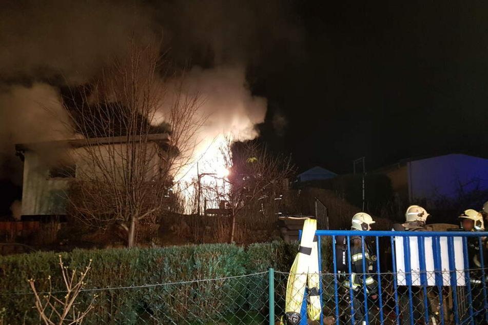 In Zwickau kam es in einer Gartenlaube zu einer Verpuffung und zum Brandausbruch.
