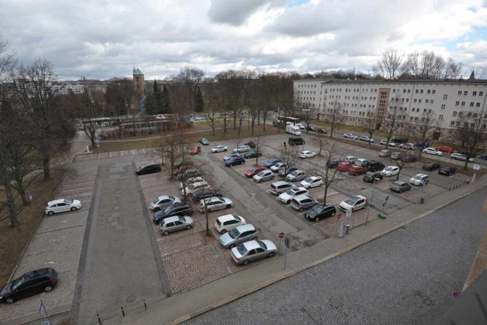 Chemnitz: Ab März graben hier Archäologen: Innenstadt-Parkplatz wird gesperrt