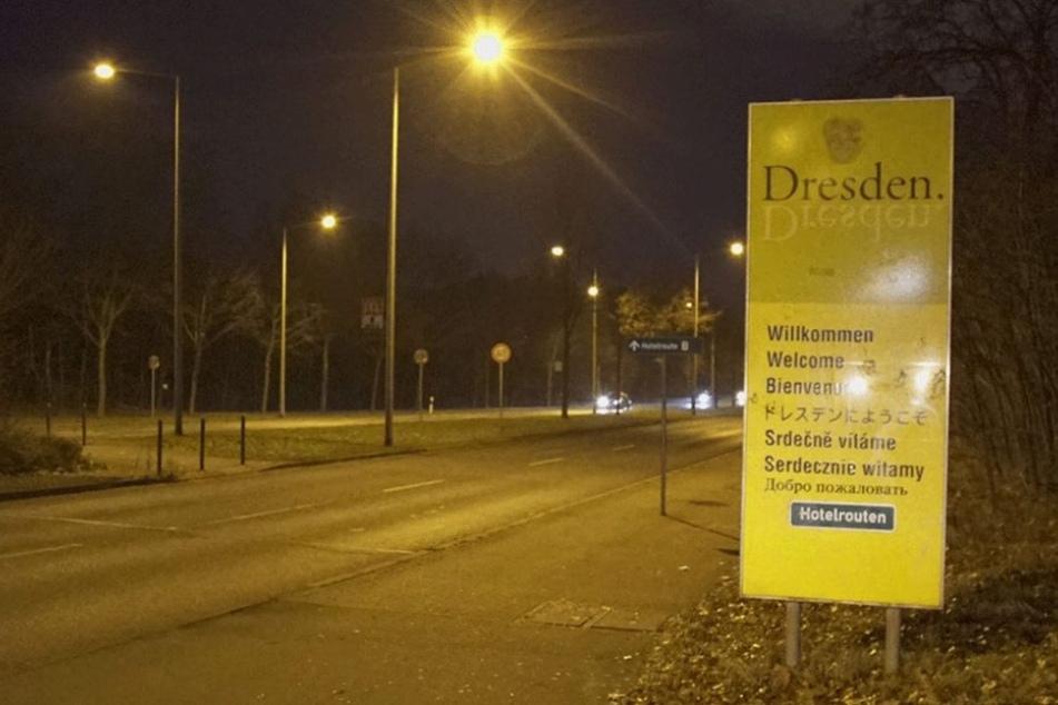 So sieht das Originalschild aus. Auf der Radeburger Straße wurde nicht geklebt.