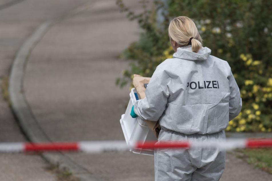 Die Polizei ermittelt, was hinter dem Tot des Ehepaars steckt. (Symbolbild)