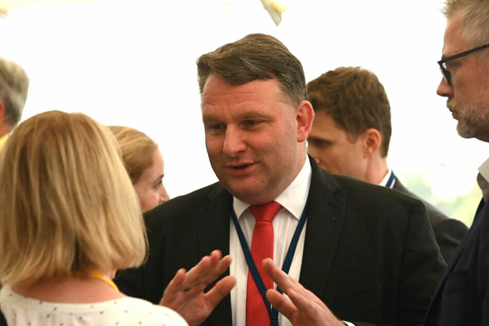 CDU-Fraktionschef Christian Hartmann im Gespräch mit TAG24-Reporterin Juliane Morgenroth