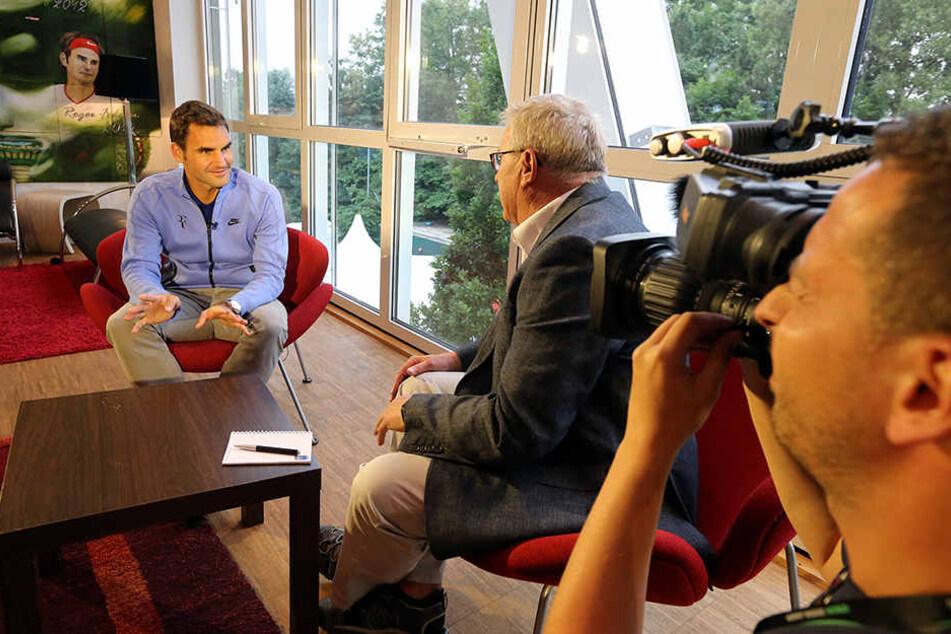 """Im Blickpunkt der Medien: Tennis-Superstar Roger Federer im Interview mit dem Sender """"Al Jazeera""""."""