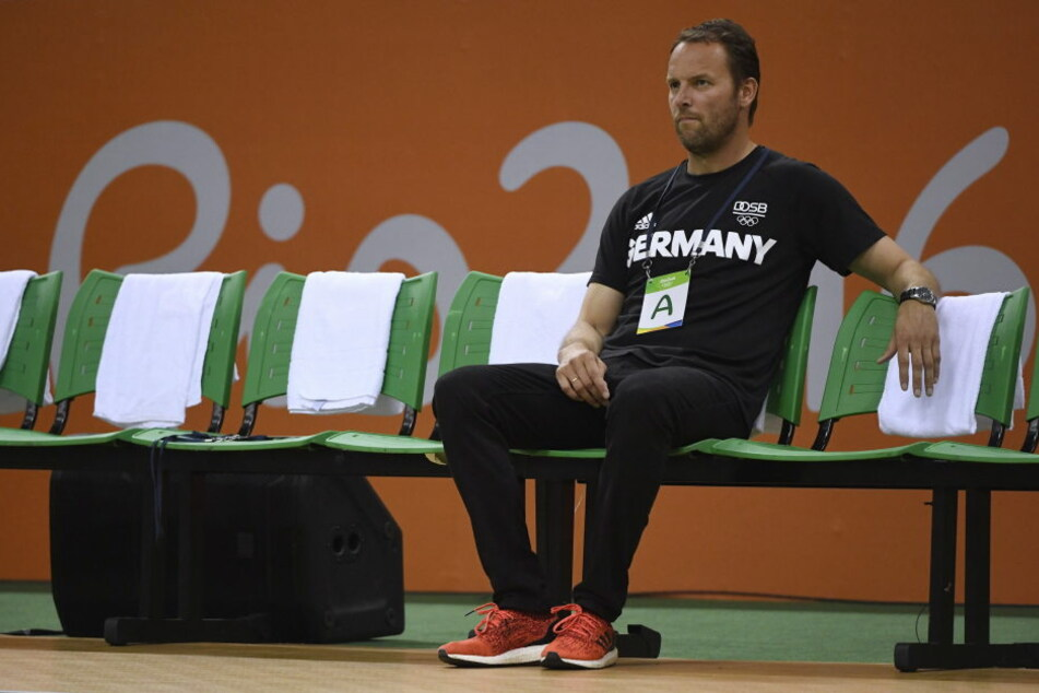 Trainer Sigurdsson wird seine Jungs vor dem Bronze-Spiel aufrichten müssen, denn die Niederlage gegen Frankreich war richtig bitter.