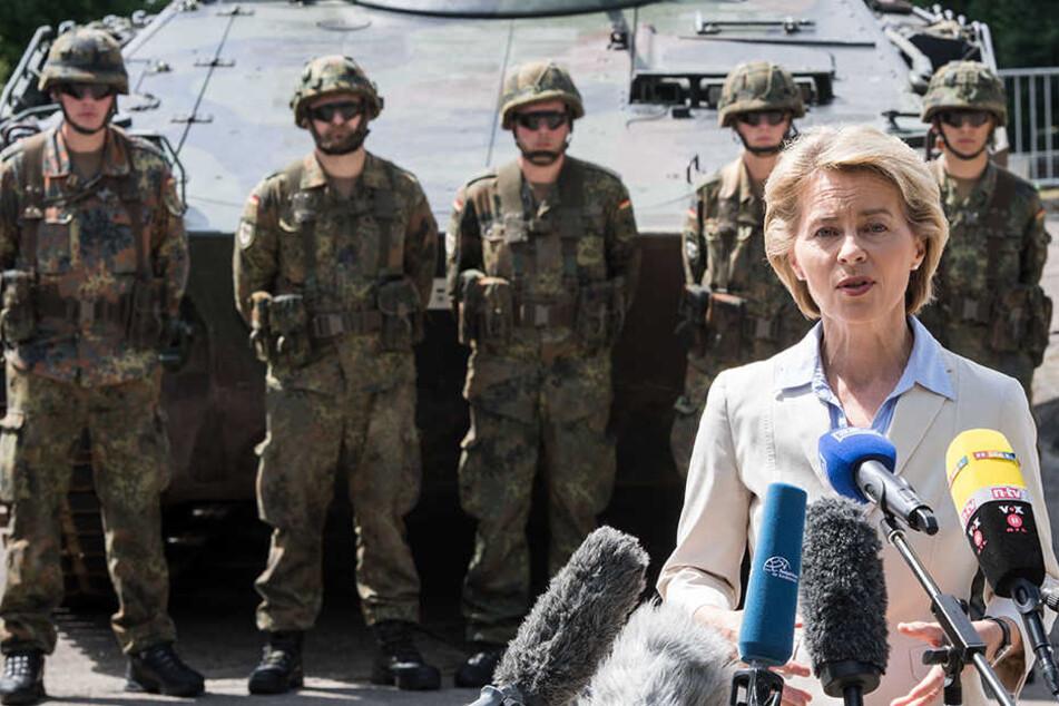Von der Leyen bleibt stur: Kaserne soll weiter nach Rommel heißen