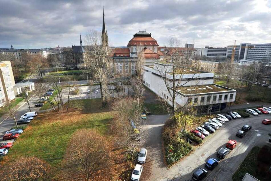 Auf den Freiflächen soll in den nächsten Jahren das neue Schauspielhaus  entstehen.