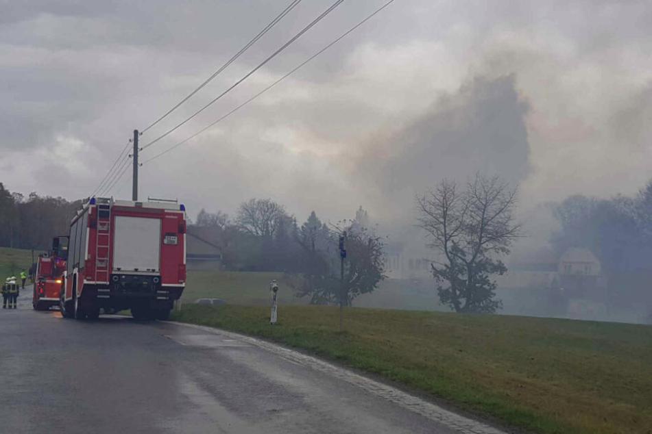 Der dichte aufsteigende Rauch war auch von Weitem schon deutlich zu sehen.