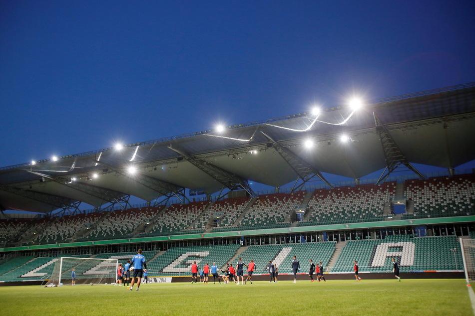 FC Botosani-Spieler trainieren vor dem Match gegen Legia Warsaw im Warschauer Stadion. (Archivbild)