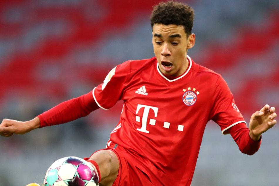 Jamal Musiala hat unlängst kurz nach seinem 18. Geburtstag einen Profivertrag beim FC Bayern München unterschrieben.