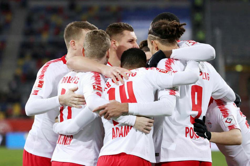 Tolle Mannschaftsleistung: RB Leipzig ließ beim 4:0 in Düsseldorf den Hausherren keine Chance.