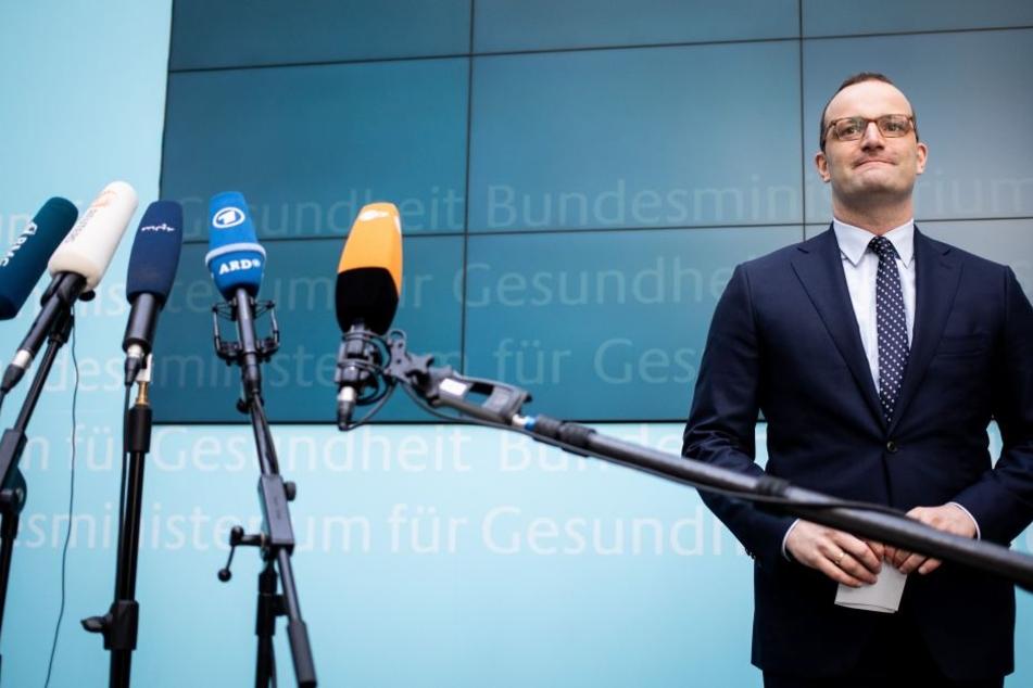 Jens Spahn lieferte sich bei Illner einen Disput mit Grünen-Chef Robert Habeck und will notfalls die Klos putzen.