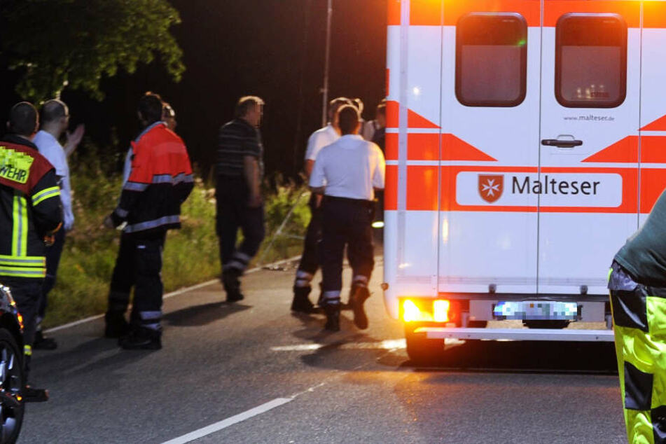 Der 17-Jährige wurde in ein nahegelegenes Krankenhaus gebracht (Symbolbild).