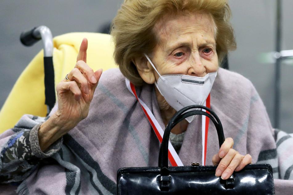 105-Jährige spricht Klartext über Astrazeneca-Verweigerer