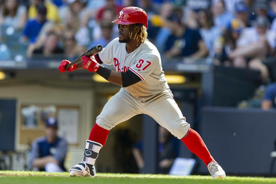 Phillies center fielder Odúbel Herrera went 2-for-4 with four RBI in the Phillies' win over the Braves on Friday