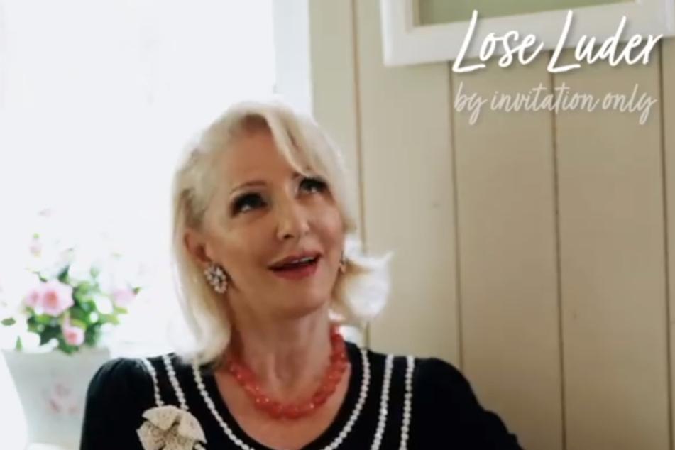 Désirée Nick (63) stöhnt bei Podcast-Aufnahmen plötzlich laut auf.