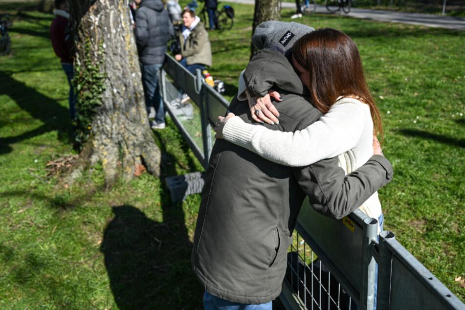 Liebespaare treffen sich an Deutsch-Schweizer-Grenze