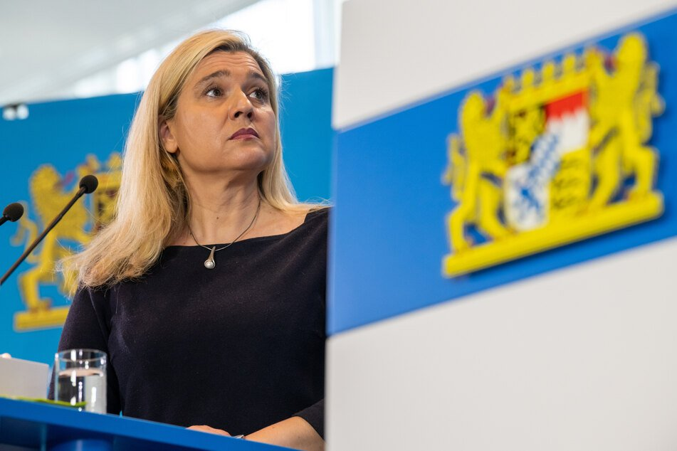 Bayerns Gesundheitsministerin Melanie Huml (CSU) sieht im Kampf gegen das Coronavirus zunehmend Grund für Optimismus.