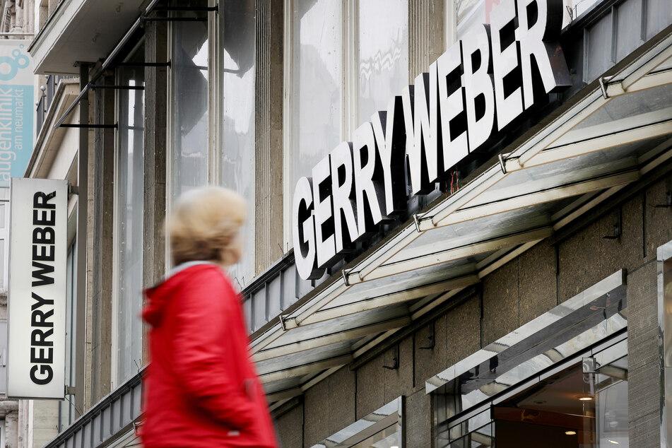 """Auch für das laufende Jahr rechnet der Modekonzern """"Gerry Weber"""" mit roten Zahlen. Der Verlust soll jedoch operativ geringer ausfallen als 2020."""