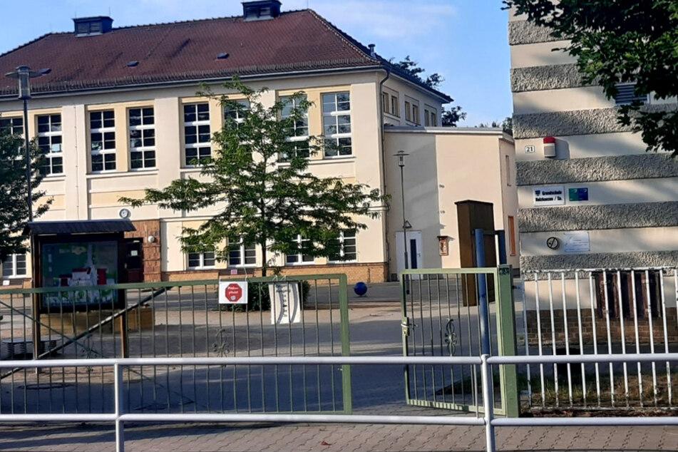 Corona-Entwarnung für Grundschule Holzhausen: Erneute Tests negativ!