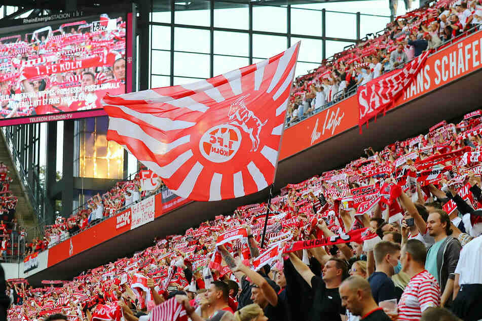 Mit 25.000 zugelassenen Zuschauern war das Kölner Rhein-Energie-Stadion zwar nur zur Hälfte gefüllt, sie sorgten aber für eine fantastische Stimmung, die sich auf den Platz übertrug.