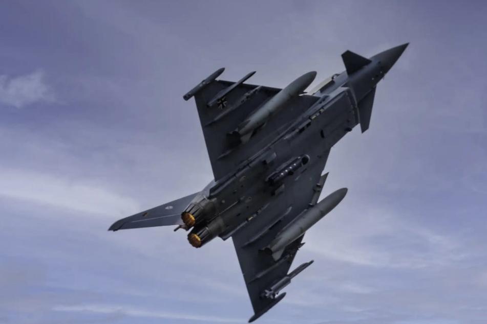 Zwei Eurofighter aus Nörvenich überflogen das Einzugsgebiet der Erft.