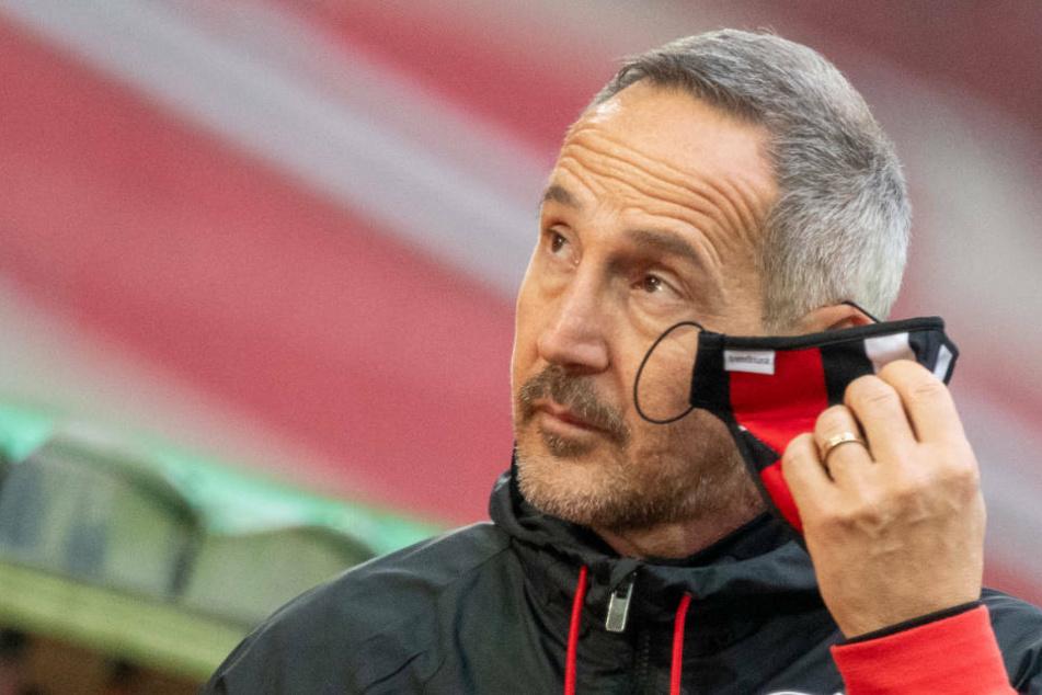 Für Eintracht-Coach Adi Hütter (50) ist die Verpflichtung eines weiteren Stürmers unabdingbar.