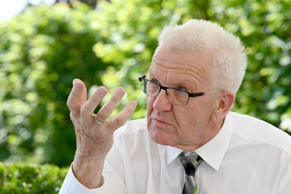 Baden-Württembergs Ministerpräsident Winfried Kretschmann (73, Grüne) warnt seit längerem vor einer vierten Welle und blickt eher pessimistisch auf Herbst und Winter.