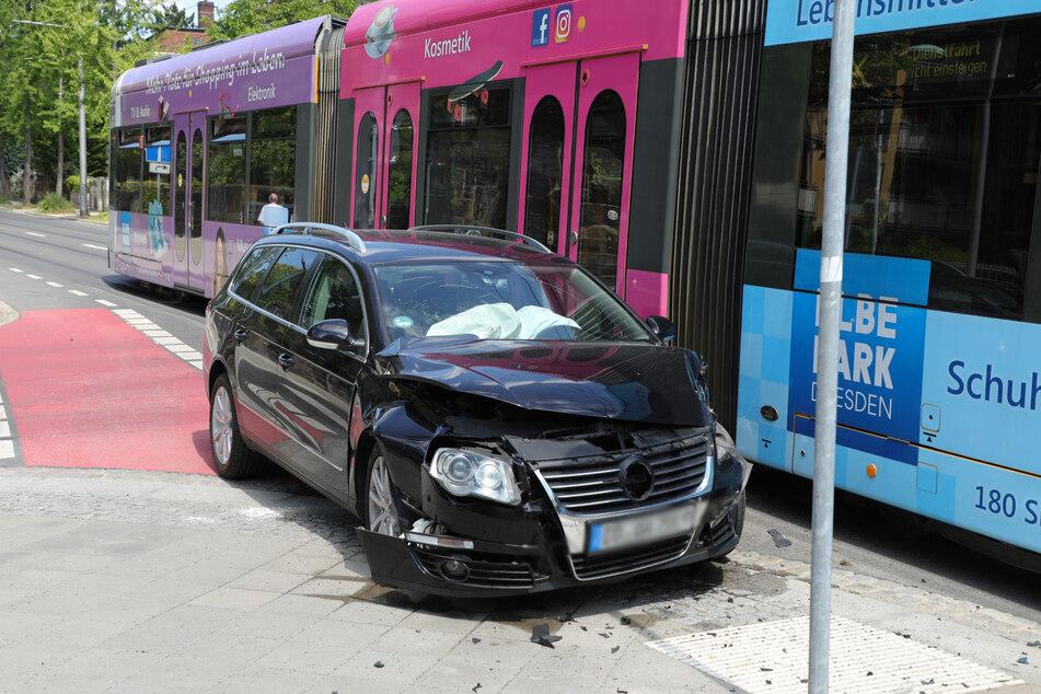 Der Passat war nach dem Crash fahruntauglich.